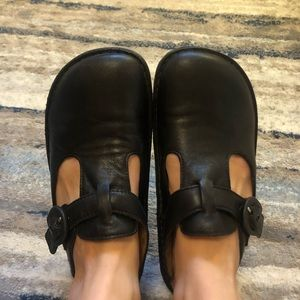Classic Leather Clogs Alegria by PG Lite